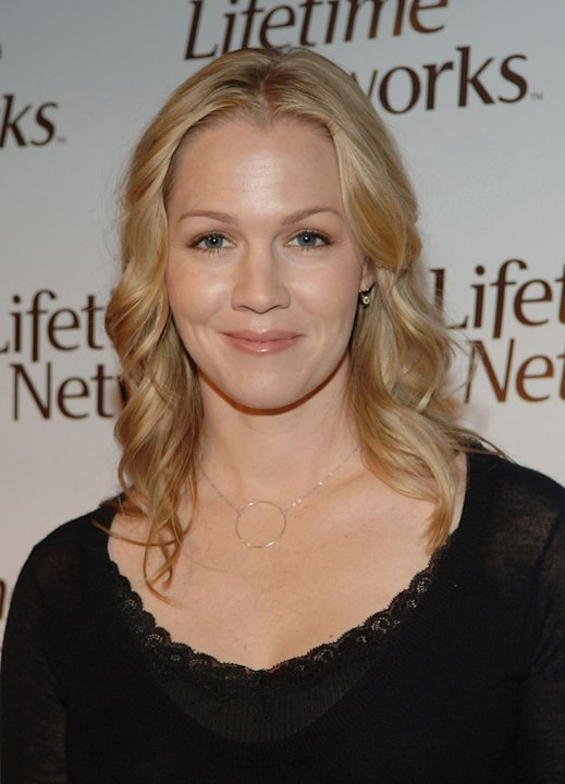 Actress Jennie Garth will compete in Season 5 of Dancing with the Stars. 