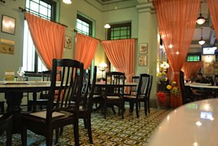 Perut Rumah's calm, restful and simply elegant interior (makansutra photo)
