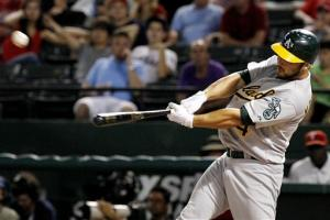 Kottaras' HR in 10th lifts A's over Rangers 3-2