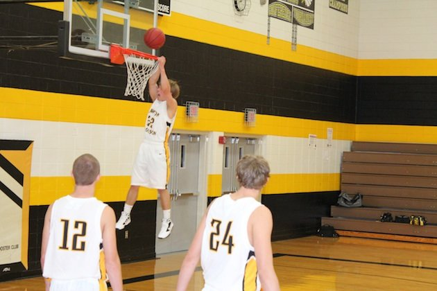 The Lawton-Bronson boys basketball team remained undefeated without winning a faceoff thanks to referees' absence — Lawton-Bronson High School