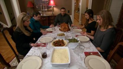 Sister Shares Thanksgiving With Men Who Received Her Late Brother's Face, Heart in Transplants
