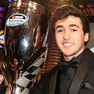 Elliott gives NNS Championship award speech