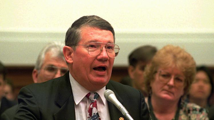 Ex-Calif. Rep. Cunningham finishes prison term