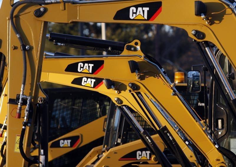 Caterpillar shares up on earnings beat; cuts 2016 outlook