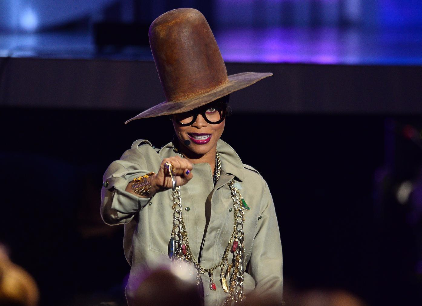 No time for wardrobe changes as Badu does Soul Train, music