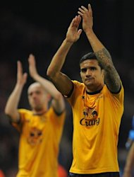 Everton midfielder Tim Cahill (R) during an English Premier League match on May 1. Coach Holger Osieck kept Asian World Cup qualifying rivals Japan guessing as to whether Cahill will start for Australia in Tuesday&#39;s crucial clash in Brisbane