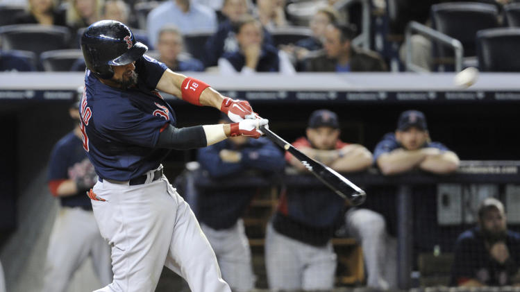 Napoli, Victorino rally Red Sox past Yankees 12-8