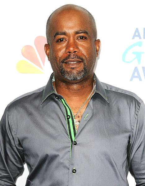 "Darius Rucker Slams Racist Tweet: ""Is This 2013 or 1913?"""