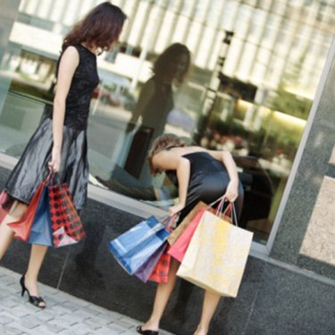 Women-shopping_web