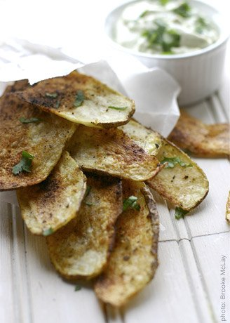 Taco Baked Potato Chips with Creamy Avocado Dip