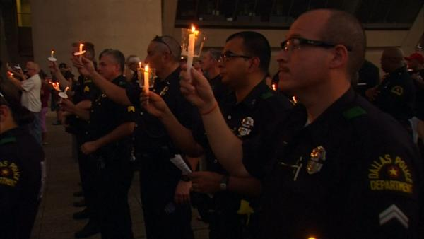 Memorial held in Dallas for sniper victims | Watch the video - Yahoo Finance