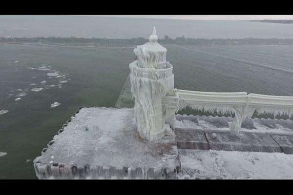 Frozen Michigan lighthouse is straight out of Narnia