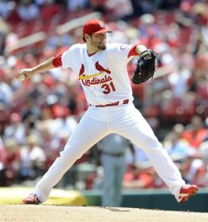 Lynn improves to 5-0, leads Cards over Reds 4-2