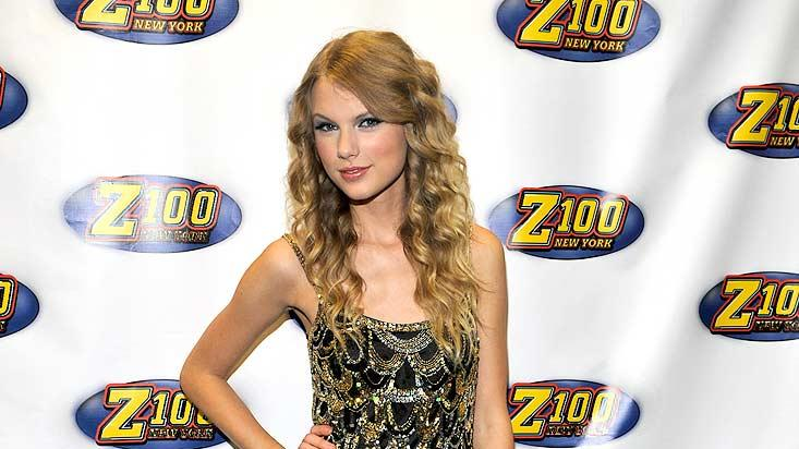 Swift Taylor Jingle Ball