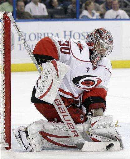 Skinner scores 2, Hurricanes top Lightning 4-2