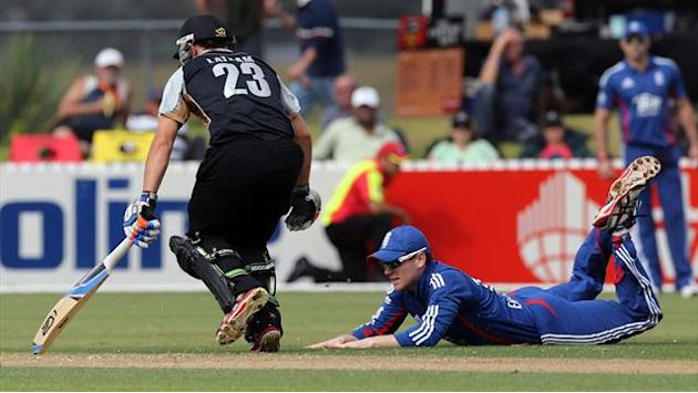 Cricket - NZ XI edge England in final warm-up