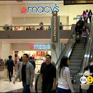 Stores Open Late, Offer Discounts For Shoppers, Procrastinators