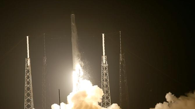 The SpaceX Falcon 9 rocket carrying a Dragon supply ship lifts off from the launch pad on a resupply mission to the International Space Station, on September 21, 2014 in Cape Canaveral, Florida