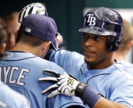 Jennings leads Rays to 6-2 win over Twins