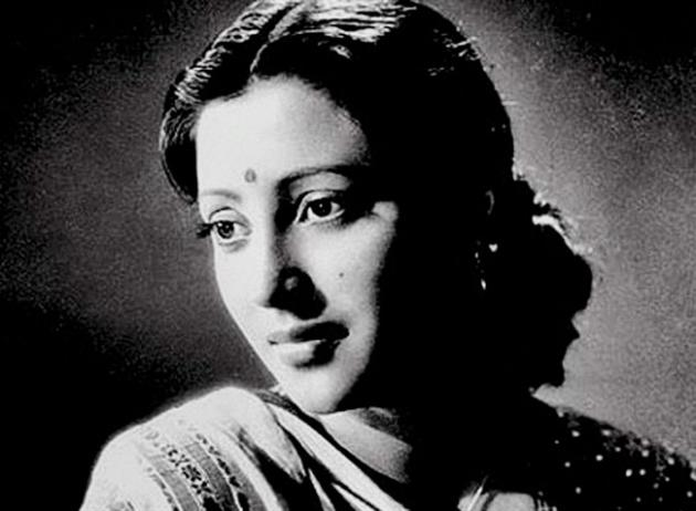 This undated photo, shows Indian Bollywood actress Suchitra Sen in Kolkata, India. Sen, India's legendary actress known for her memorable roles in both Bengali language and Bollywood films, died Friday, Jan. 17, 2014 after a cardiac arrest, her daughter said. She was 82. (AP Photo)