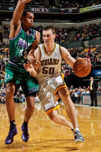 Pacers rout Bucks for 3rd straight win
