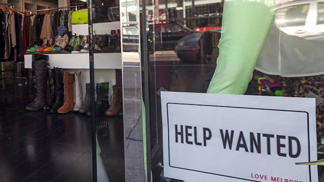 Weekly US jobless aid applications drop to 343K