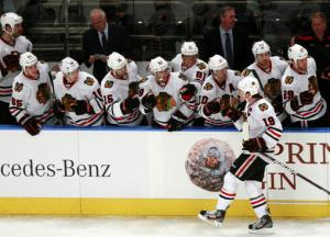 Blackhawks end 9-game skid, beat Rangers 4-2
