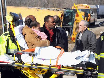 1 Dead, Kids OK in N. Illinois School Bus Crash