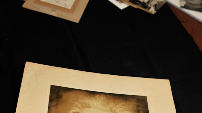 Photography Auction Featuring Never Before Published Photos Of The Late Princess Diana - January 2013