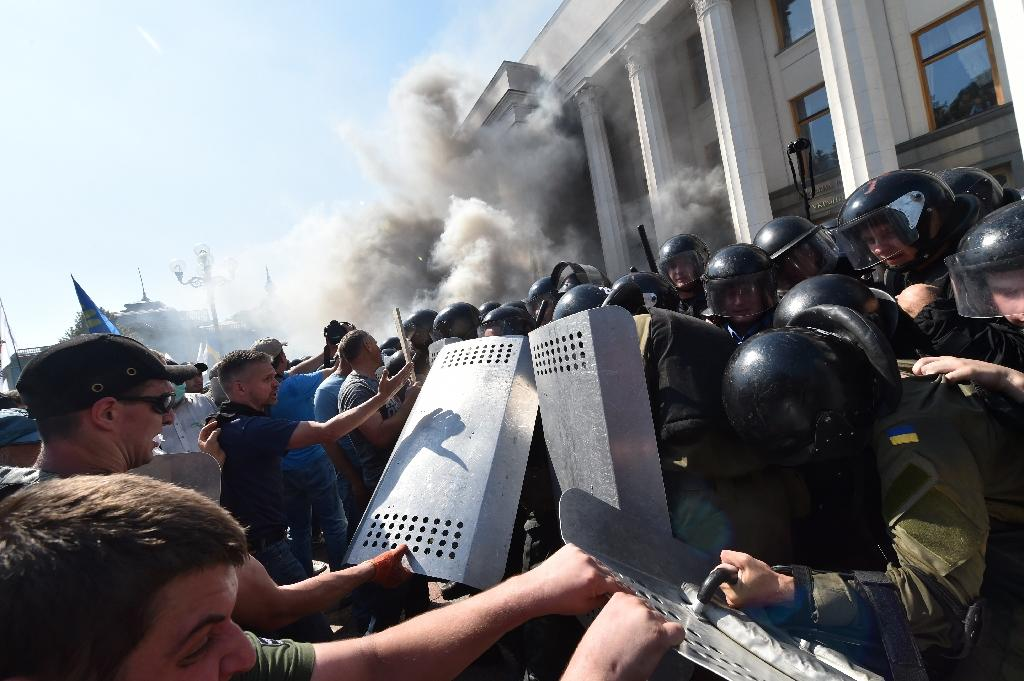 Ukraine reels from clashes as second policeman dies