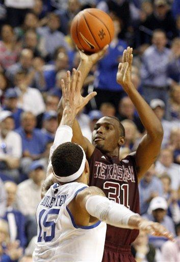Texas A&M's Turner scores 40, beats Kentucky 83-71