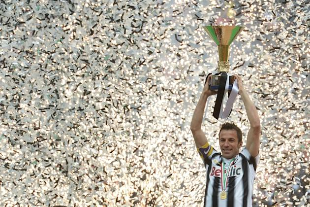 TOPSHOTS  Juventus' Forward Alessandro Del Piero Celebrates With His Team Winning The Italian Serie A Trophy, The AFP/Getty Images