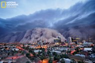 A monster dust storm barrels toward Phoenix, Ariz.