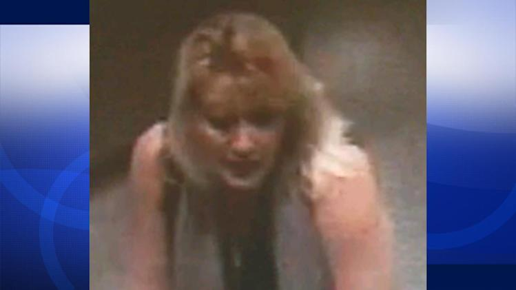 Female suspect seeking identity theft victims in Santa Clarita