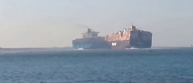 Enormous Freighter Ships Collide In The Suez Canal [VIDEO]