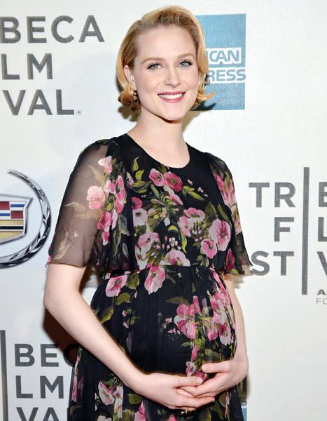 "Evan Rachel Wood on Her Bisexuality: I Was ""Really Nervous"" to Tell My Family"