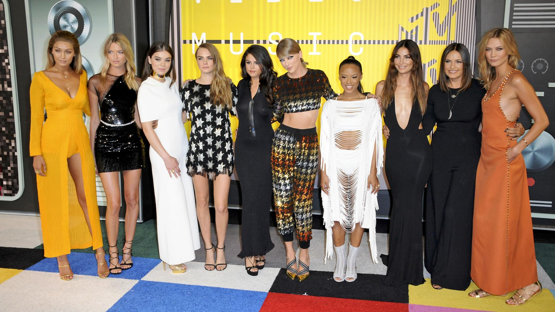VMAs Red Carpet: Outrageous Antics, Donald Trump and Songs of the Summer
