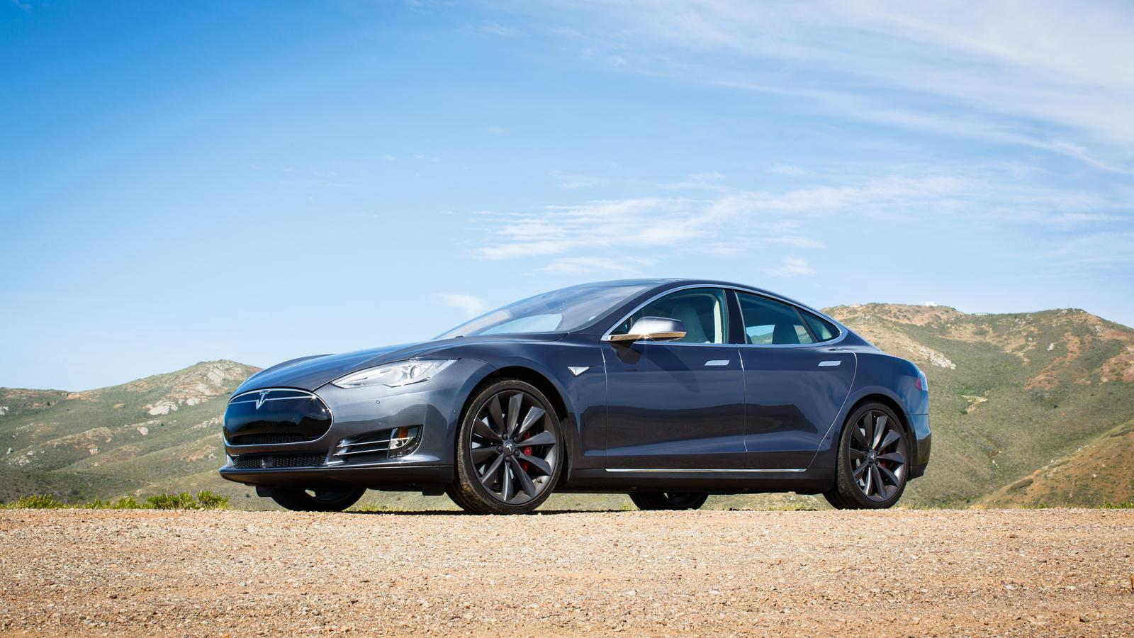 Tesla Model S P85D breaks Consumer Reports' test scale