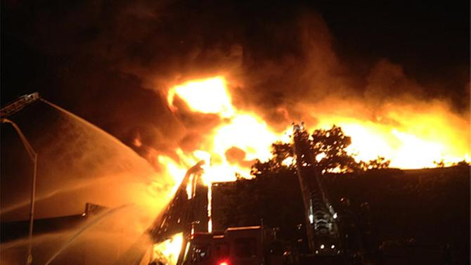 3 hurt, including 2 firefighters, in massive warehouse fire in Kensington