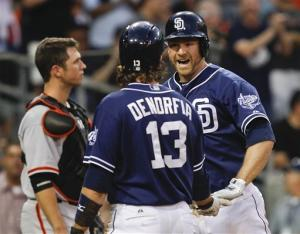 Headley hits 30th HR, Padres beat Giants 7-3