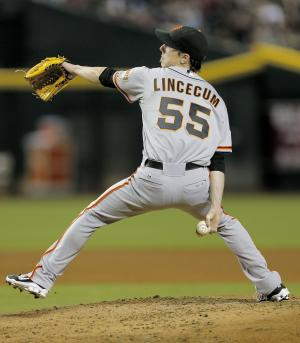 Lincecum, Sandoval lift Giants over Arizona 1-0