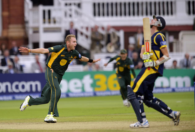 Cricket - Yorkshire Bank Pro40 Final - Glamorgan v Nottinghamshire - Lord's Cricket Ground