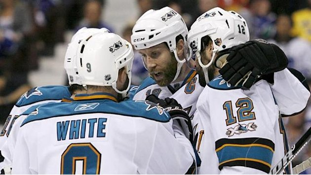 NHL - Marleau's double ties record as Sharks beat Avs