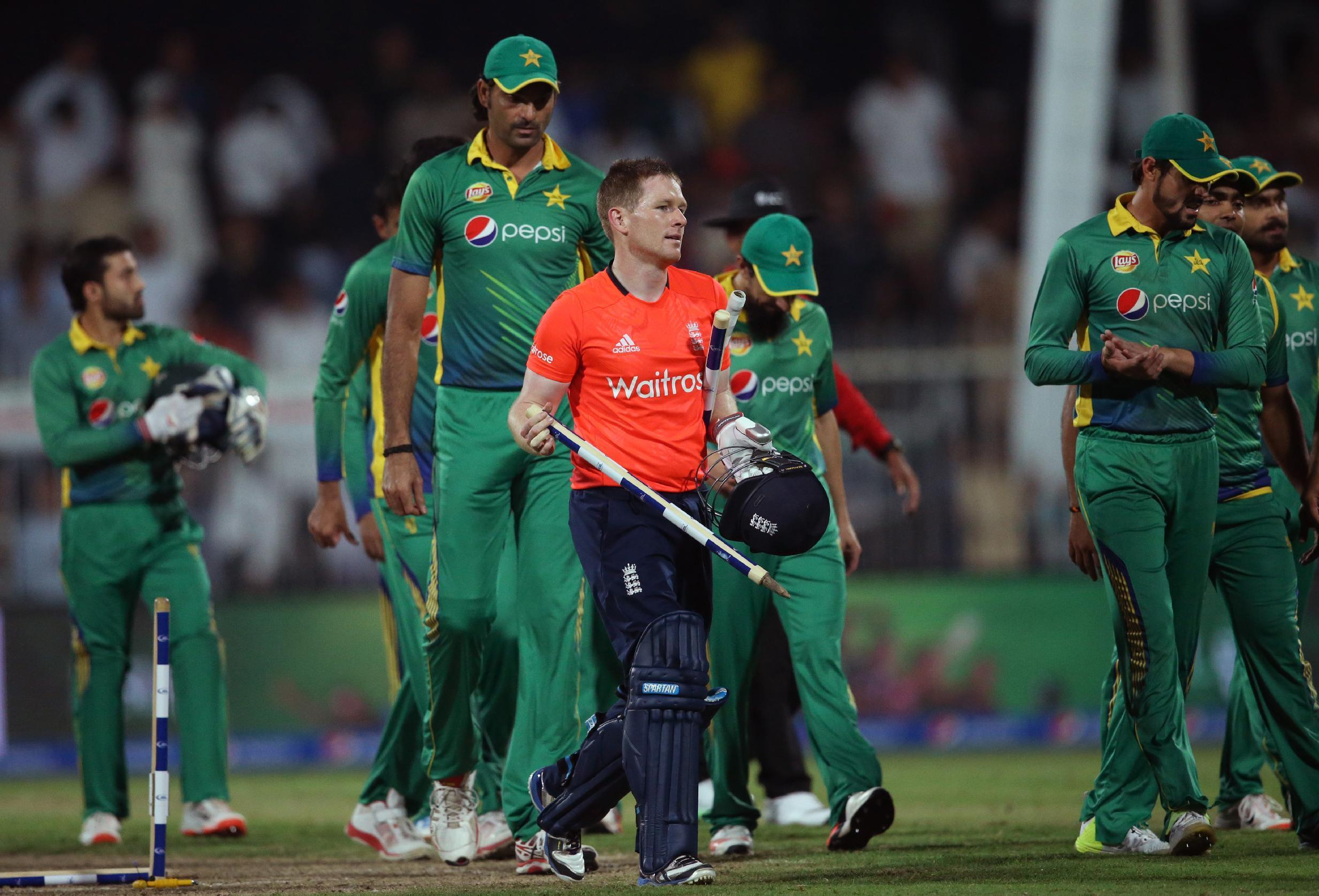 England sweeps T20 series vs Pakistan by winning 3rd match
