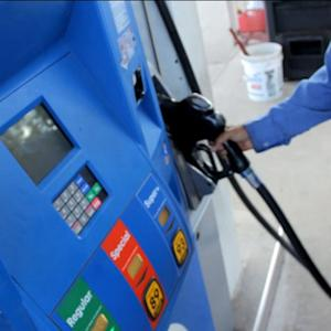 MoneyWatch: Gas prices hit seven-month low; HBO considers online subscriptions