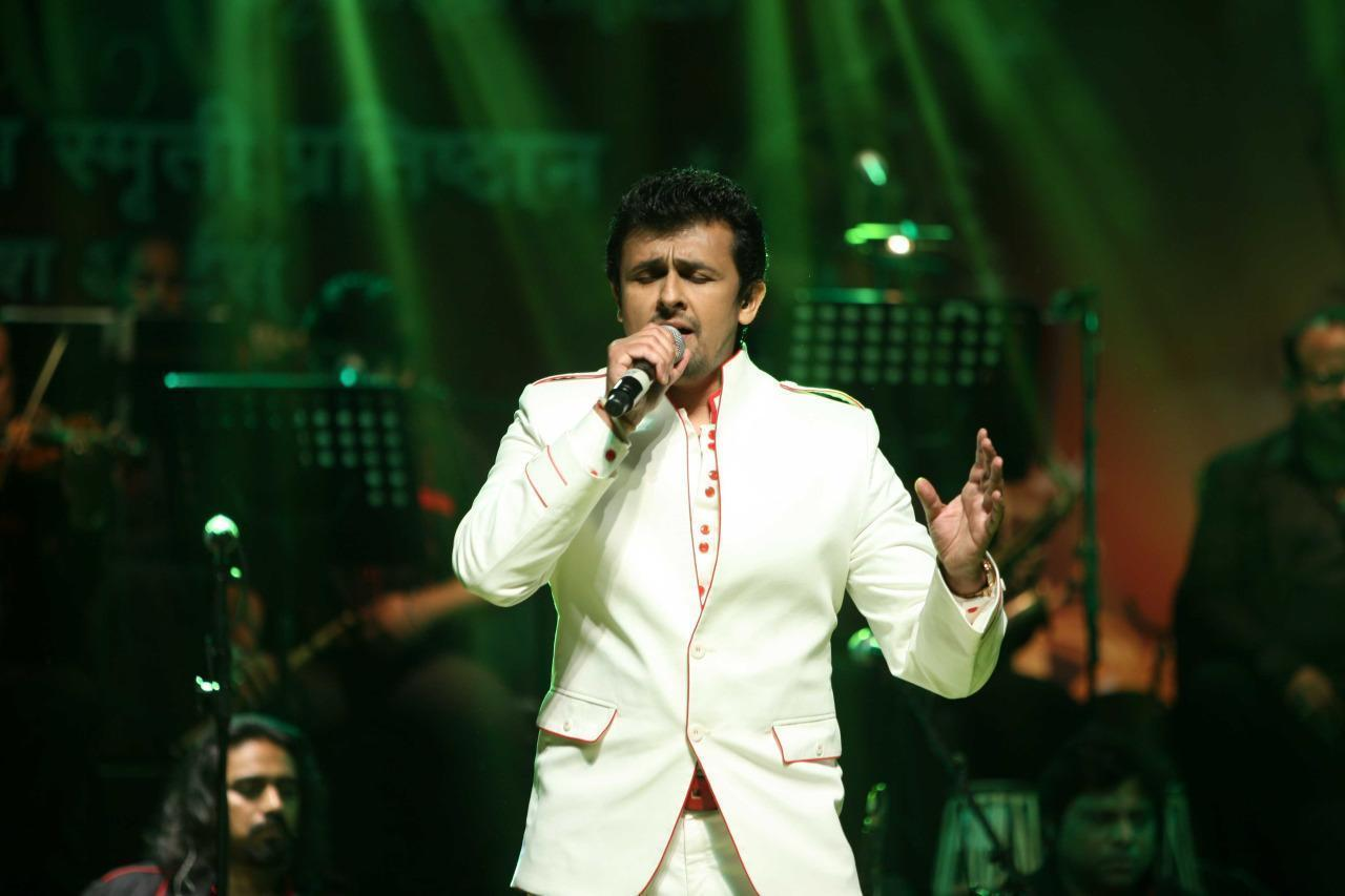 Airline Suspends Crew After Bollywood Star Sings on Intercom