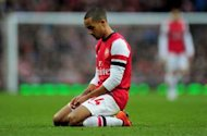 New contract not to blame for Walcott's poor form, insists Wenger