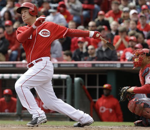 Reds hit 3 homers for 5-4 win over Angels