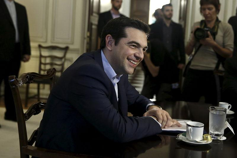 Greek PM holds teleconference with German, French leaders