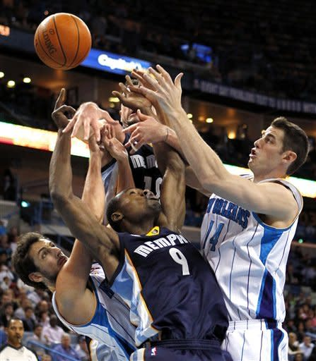 Gasol lead Grizzlies past Hornets 93-87